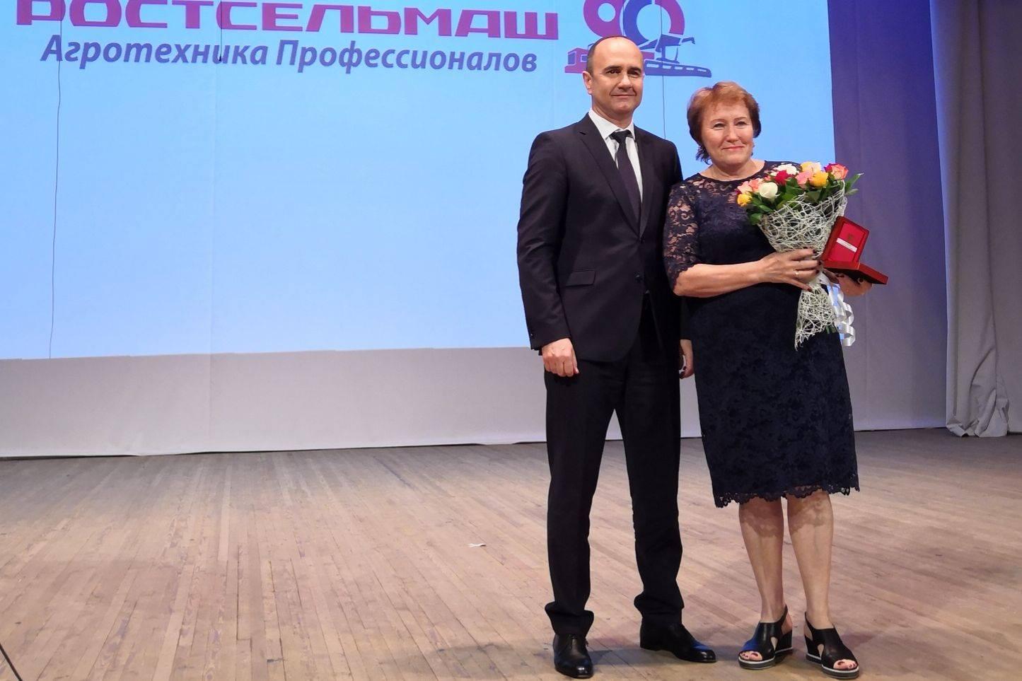 За 90 лет работы «Ростсельмаш» выпустил более 2,8 млн единиц уборочной техники
