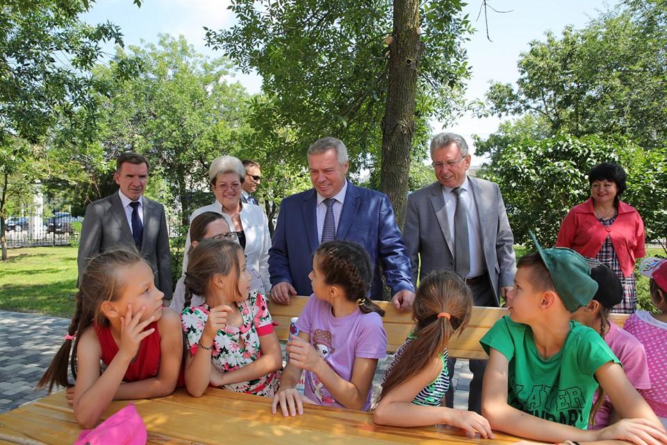 Обновленный сквер «Дружба» стал популярным местом отдыха в Волгодонске