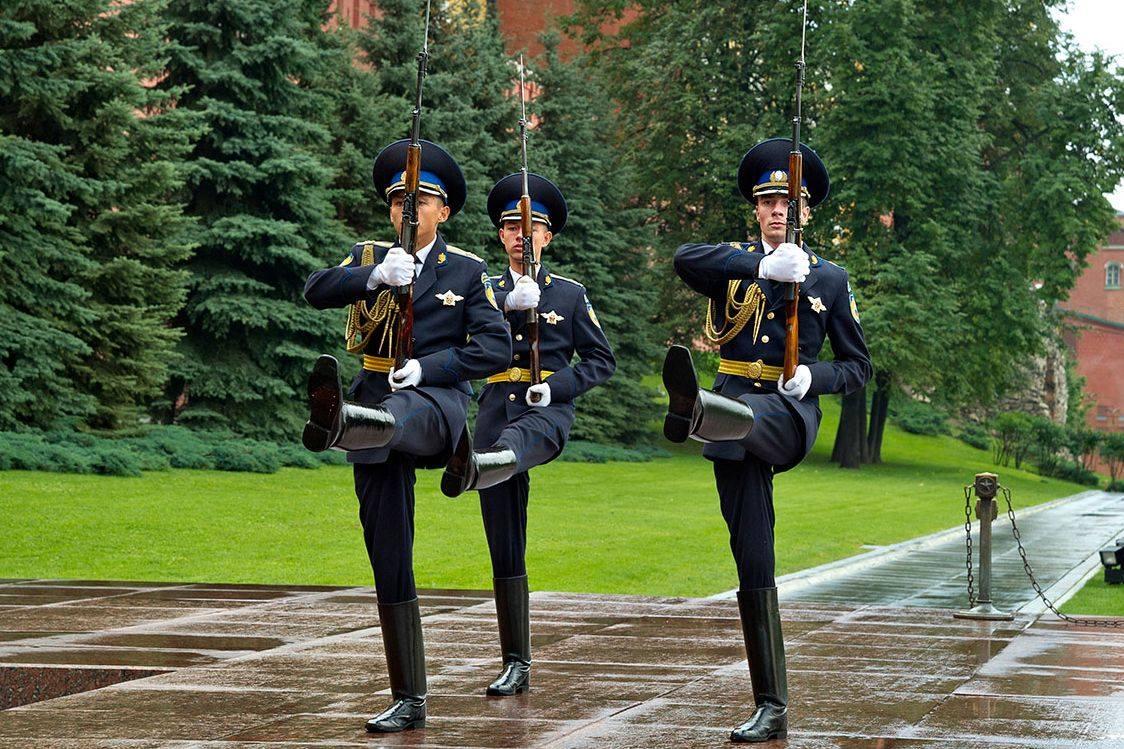 15 донских призывников направились в Президентский полк