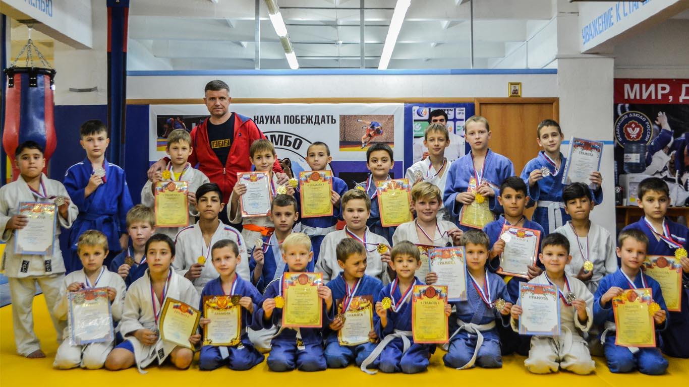 Копилка целинских дзюдоистов пополнилась 17 золотыми медалями