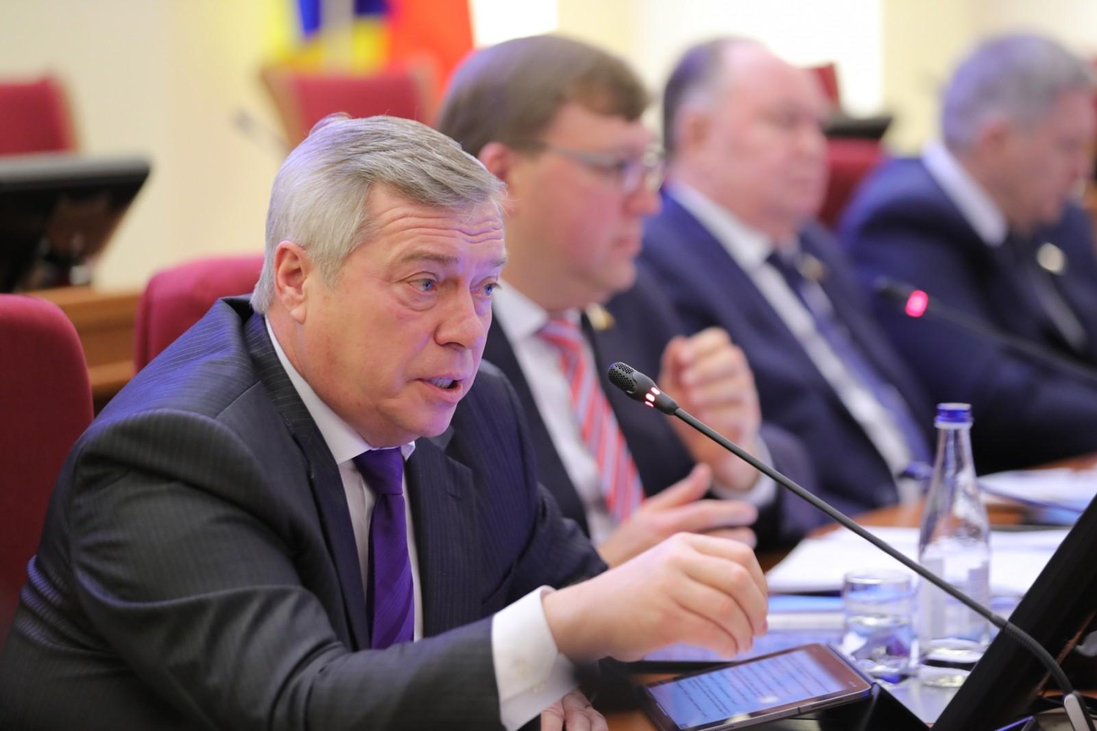Василий Голубев: «Принятый бюджет области позволяет расходовать дополнительные средства на инвестиционное развитие»