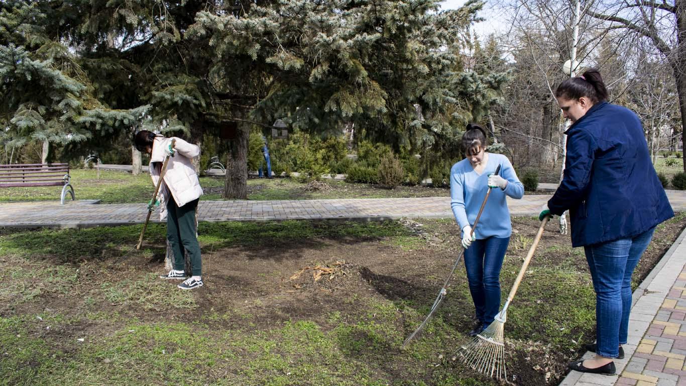 Областной субботник — итоговое мероприятие осеннего месячника чистоты