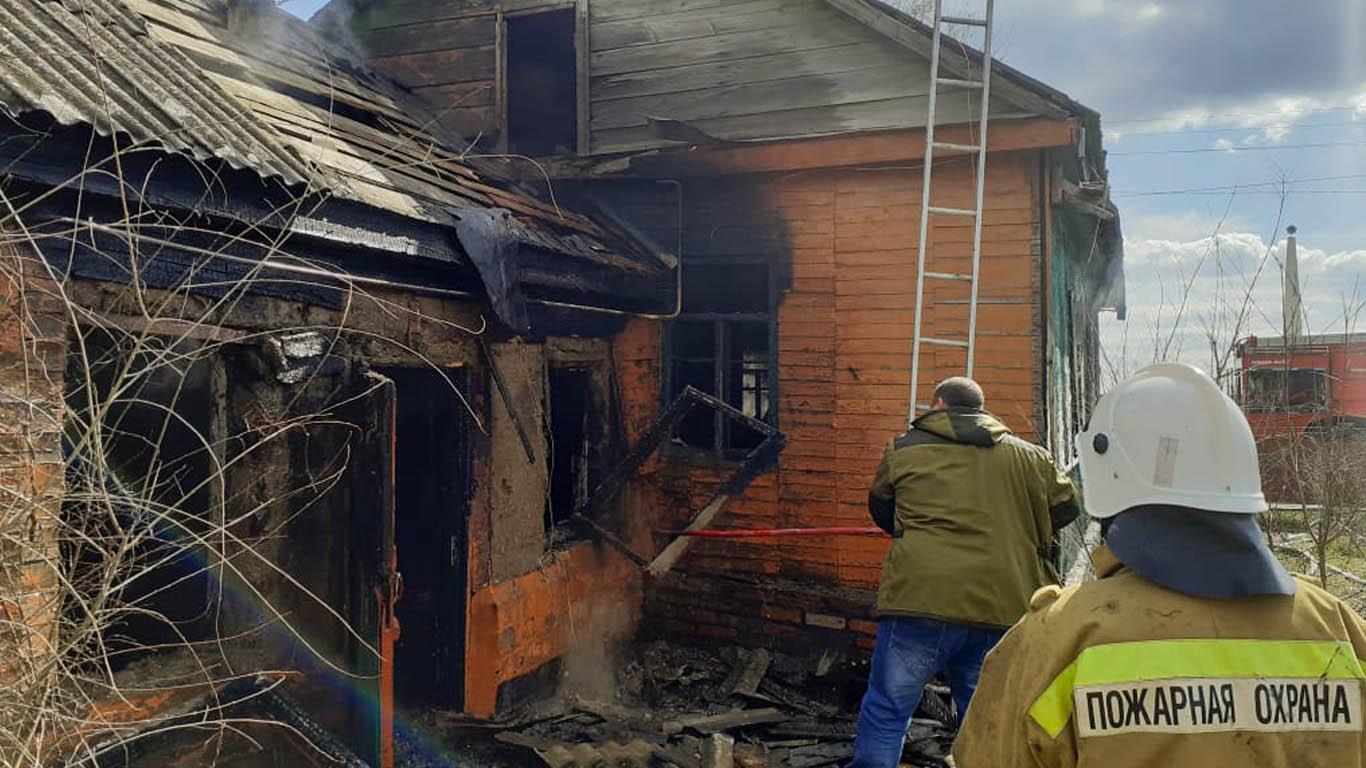 Причина пожара – неосторожное обращение с огнем