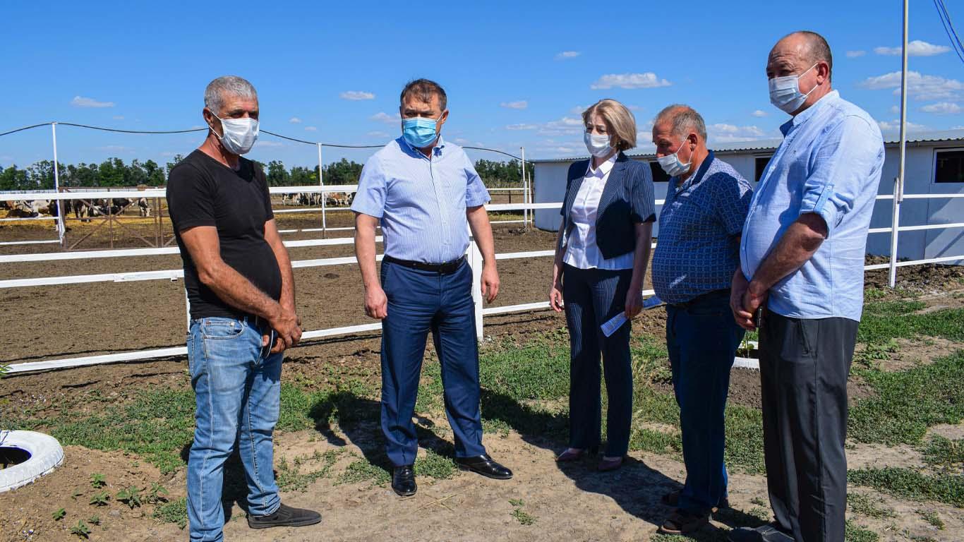 Целинский район в ходе рабочей поездки посетил первый заместитель Губернатора Ростовской области В.Г. Гончаров