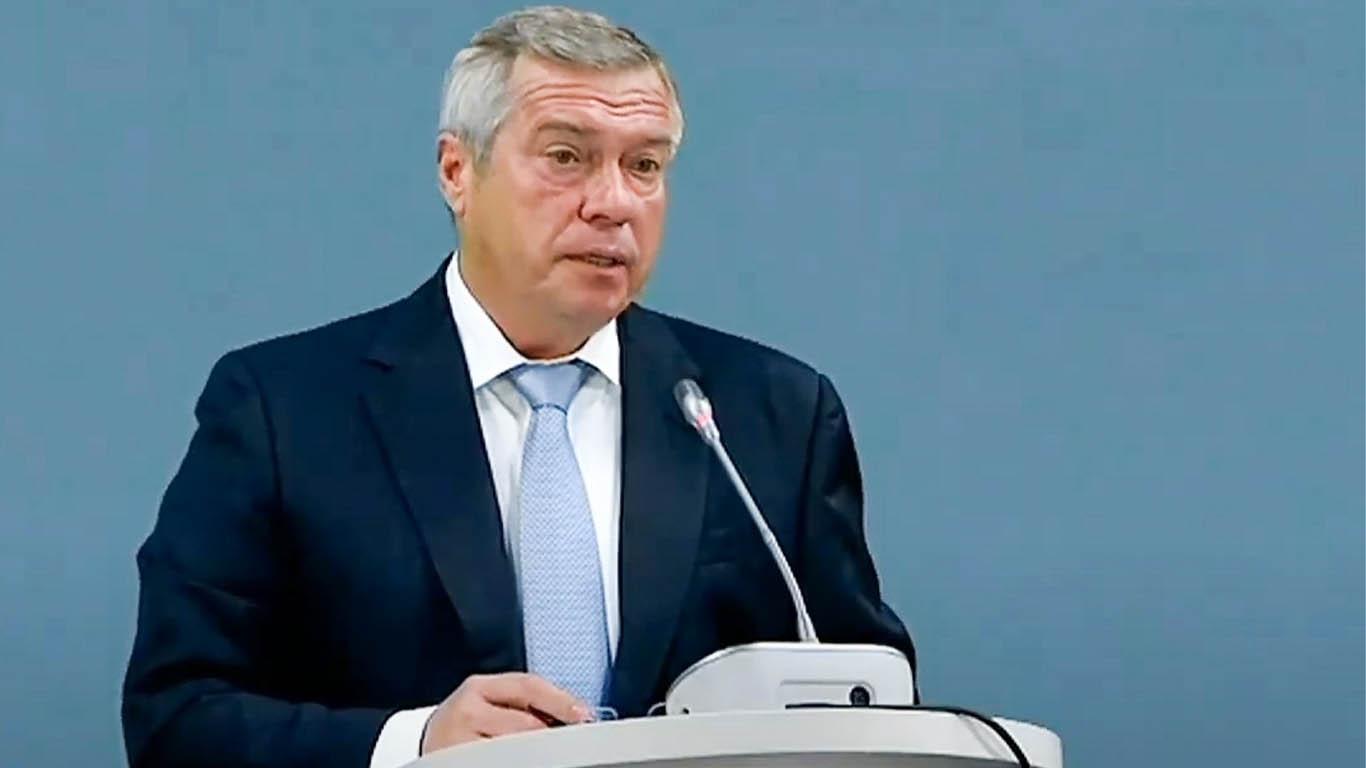 Василий Голубев: «На оснащение школ Дона защитными и дезинфицирующими средствами направлено 403 млн рублей