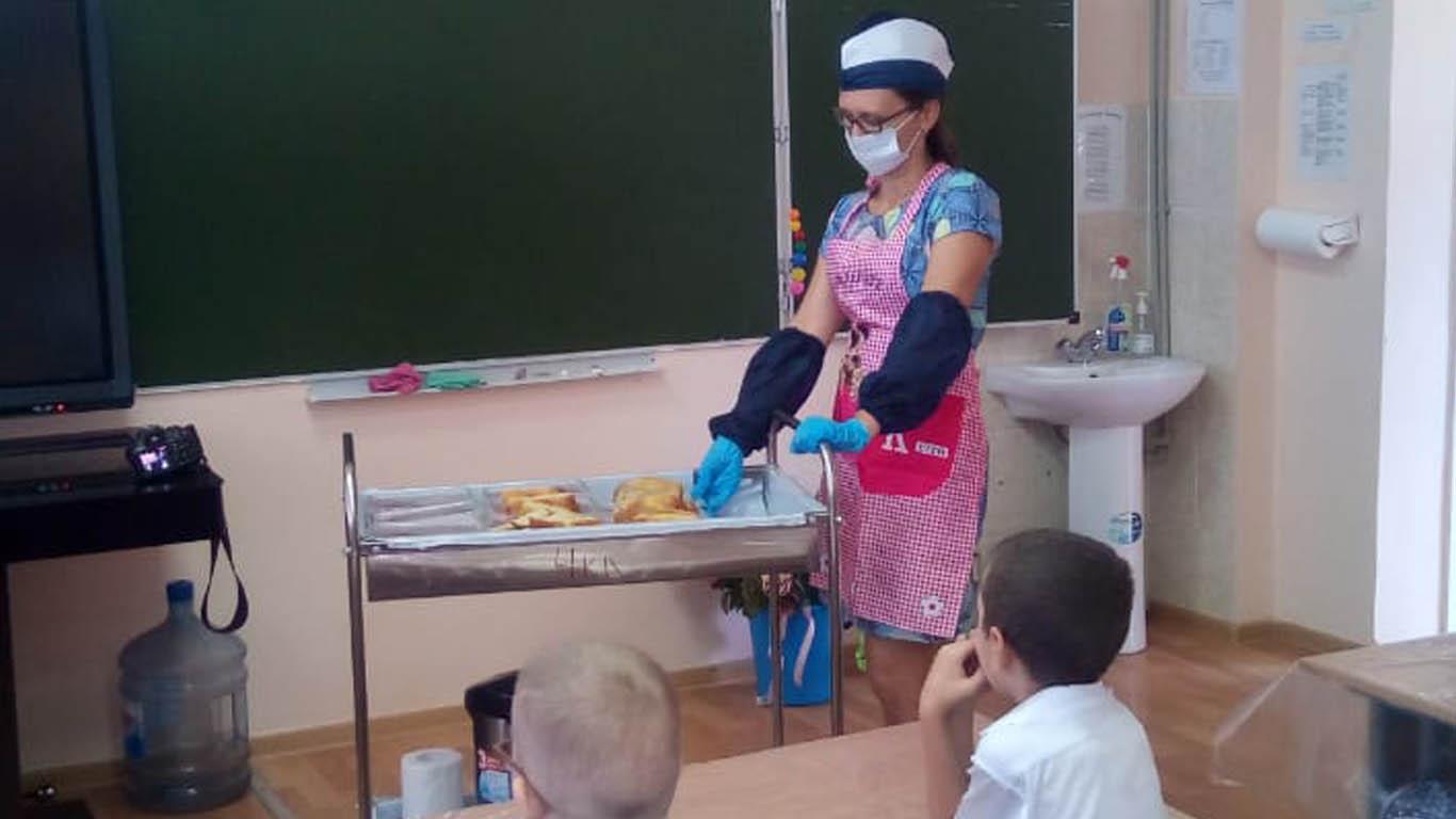 Внимание — детям Горячее питание: под контролем депутатов и общественности