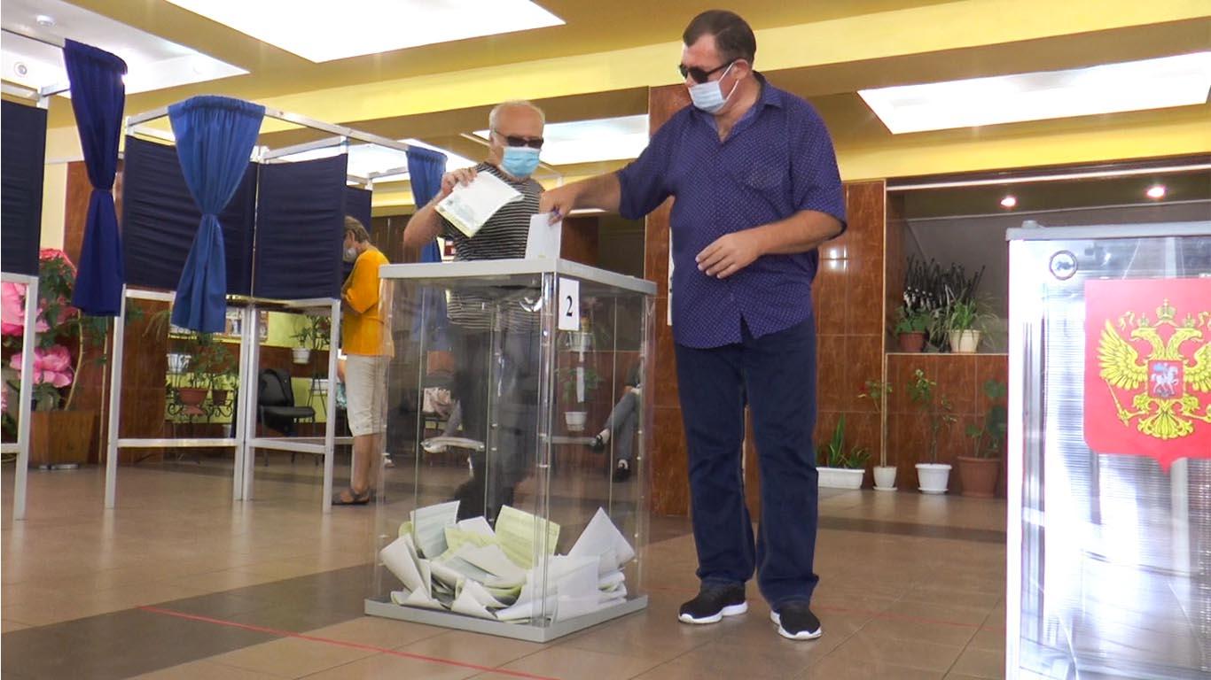 Победу на выборах губернатора Ростовской области одерживает действующий глава региона Василий Голубев