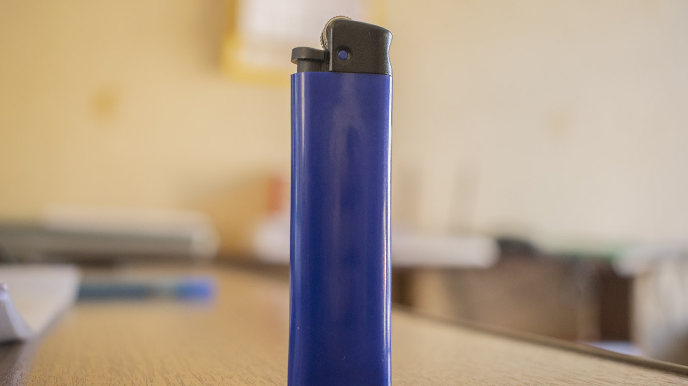 С 15 сентября в Ростовской области введен запрет на продажу зажигалок и баллончиков для их заправки лицам младше 18 лет