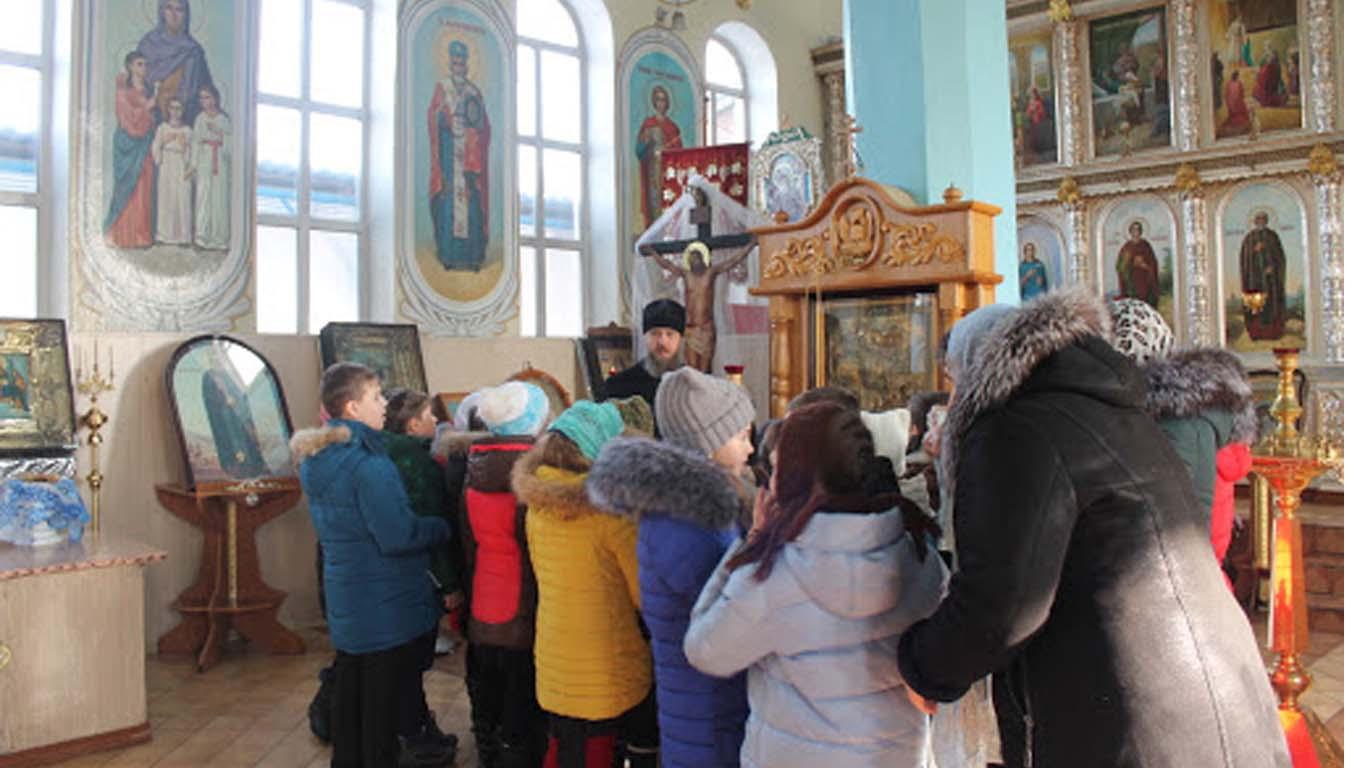14 октября в Покровском храме п. Целины – престольный день