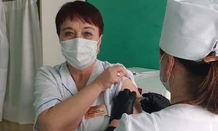 Первая партия вакцины, поступившая в Целинский район, использована