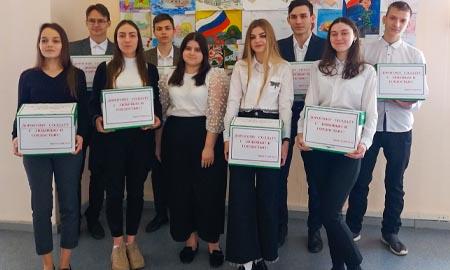 Учащиеся школы №32 Целинского района отправили посылки солдатам — выпускникам
