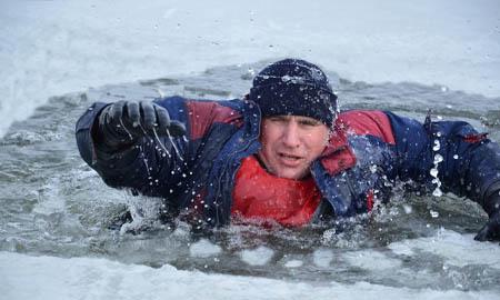 Более 180 рыбаков, провалившихся под лед, удалось спасти донским спасателям
