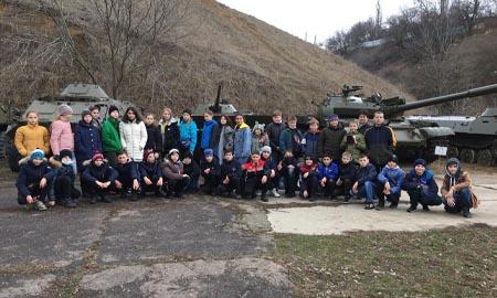Целинские школьники побывали в Аксайском военно-историческом музее
