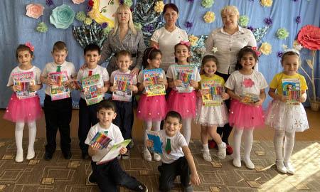 Воспитанники детского сада Целинского района поздравили женщин с Днем Весны