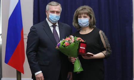 Социальный работник Целинского района награждена знаком Губернатора РО «За милосердие и благотворительность»