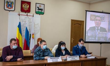 Заседание областной межведомственной комиссии по делам несовершеннолетних и защите их прав прошло в Целинском районе