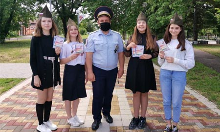 Целинские инспекторы ОГИБДД провели акцию «Автокресло – детям»