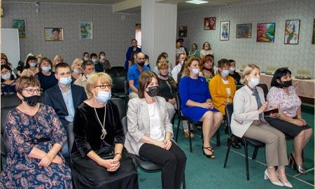 В Целинском районе поздравили и наградили социальных работников