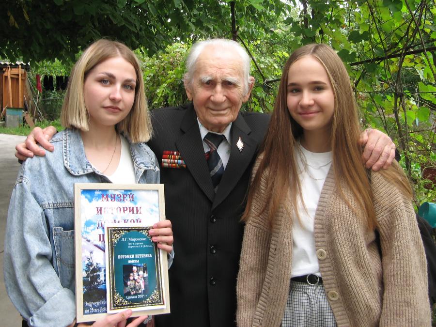 Гости из Азова побывали в гостях у целинского ветерана